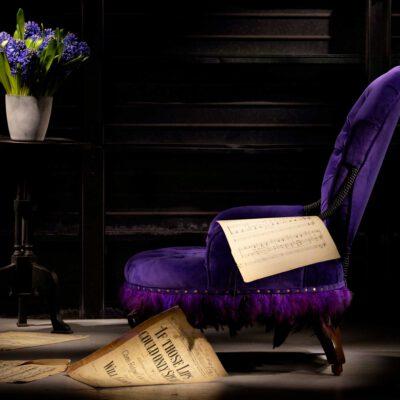 Luxurious Antique Purple Reign Burlesque Chair