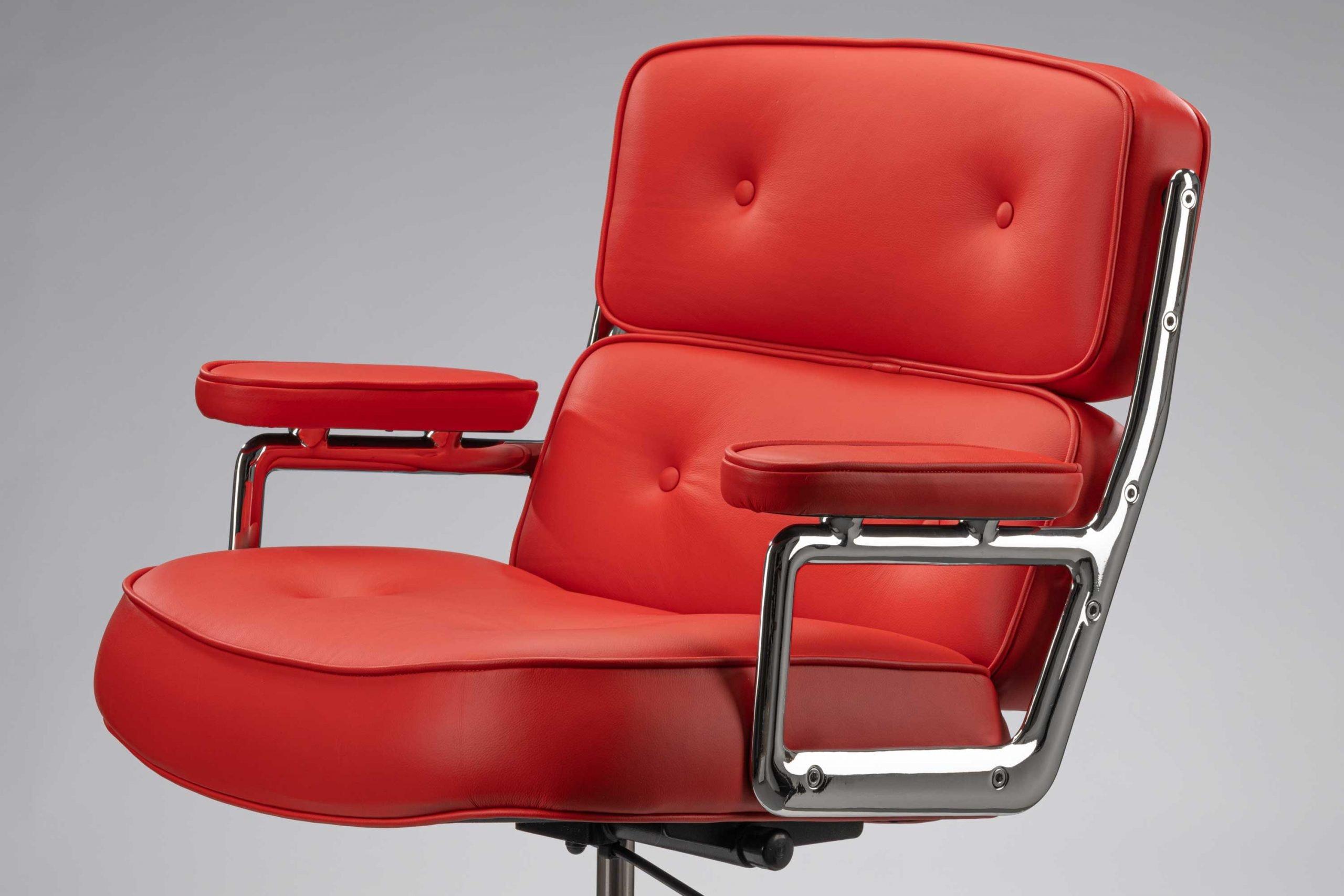 The Vitra Charles Eames 1970s Lobby Chair