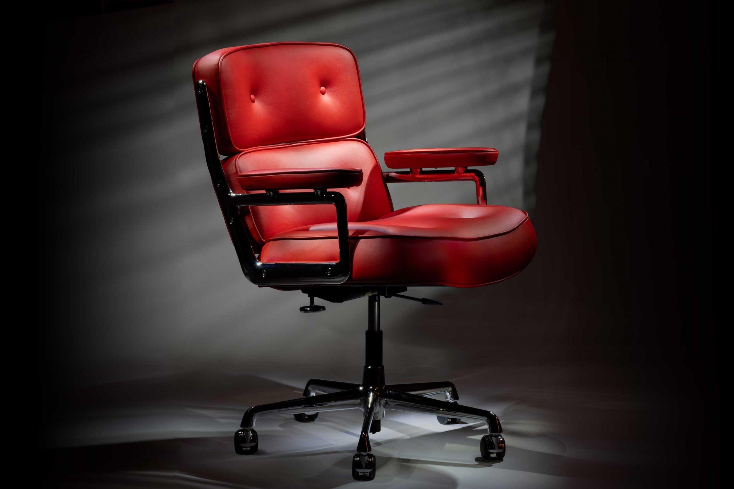 The Vitra Eames es104 1970s Lobby Chair
